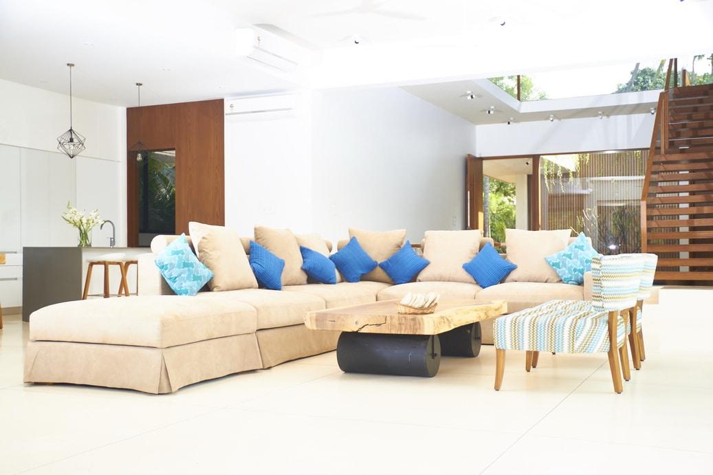 BAR55-living-room