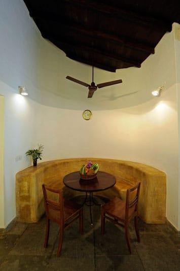 leo-living-room